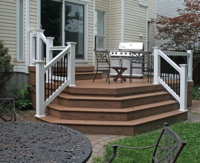 Small backyard deck & porch with railings
